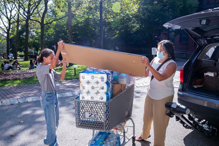 Move-in weekend on the Brooklyn campus (photo by Caroline Cramer, BFA '22)